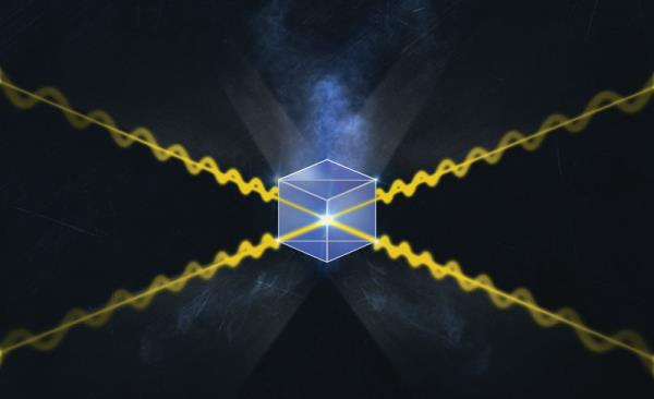 The core element of the quantum repeater is a cube of glass. Researchers put two independent photons in, and as long as they could detect two photons coming out the other sides, they knew entanglement swapping was possible.PHOTO Wits University