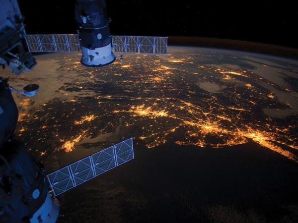 With satellites gathering more data every year and at higher resolutions, SAC saw its data acquisition rates double which highlighted a need for a more scalable and affordable storage solution.