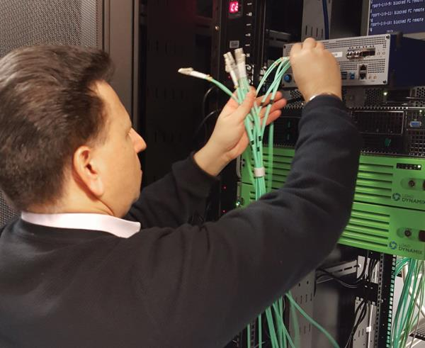 The Allegro Network Multimeter uses software algorithms to analyse load peaks and disturbances. At the same time, it acts as a network monitoring tool to ensure high network quality