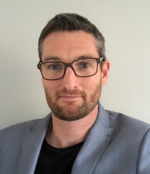 Alex Thompson, sales engineer, technology sector, Airedale International